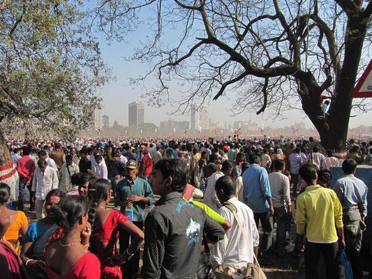 Leute über Leute. Wow, soviel Indien.