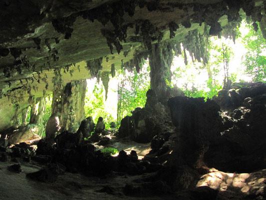 """Rückweg durch die """"Trader Cave""""."""