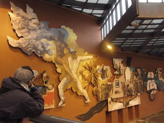 Im öffentlich zugänglichen und kostenfreien Kulturzentrum werden Austellungen und vieles mehr angeboten. (Largo da Ordem)