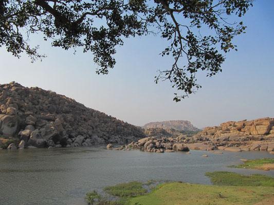 Der Tungabhadra-Fluß.
