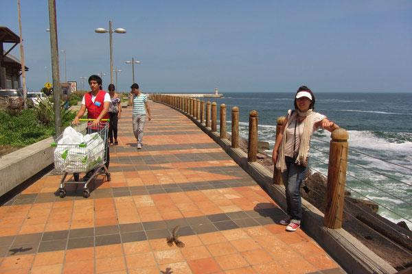 Uferpromenade am Pazifik.