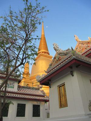 Goldene Stupa (Wat Bowornniwet).