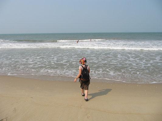 Auf dem Weg... (Cua Dai Beach).