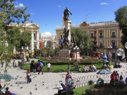 Die Plaza Murillo ist der Hauptplatz in La Paz, dem Regierungssitz Boliviens. Benannt ist sie nach dem Unabhängigkeitskämpfer Pedro Domingo Murrillo. An der Plaza Murillo befinden sich der Regierungspalast und der Kongress.