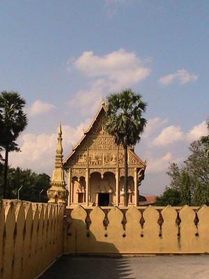 Nebengebäude des Pha That Luang.