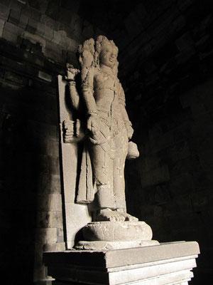 Brahma-Statue im Brahma-Tempel. (Prambanan)
