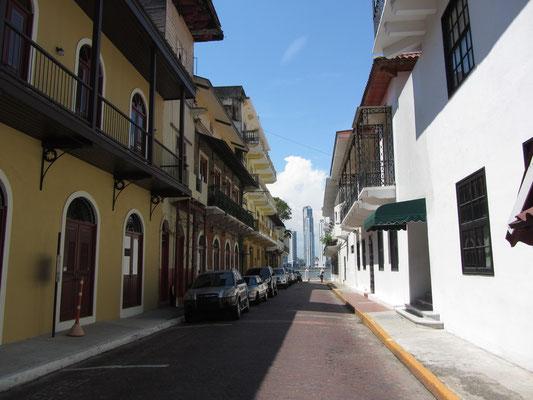 Straße. (Casco Antiguo)