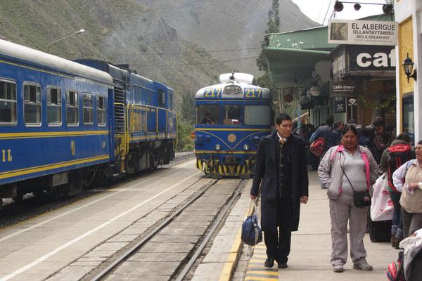 """Von Ollantaytambo ist es günstiger mit """"Peru Rail"""" zu fahren als die gesamte Strecke von Cusco zu buchen."""