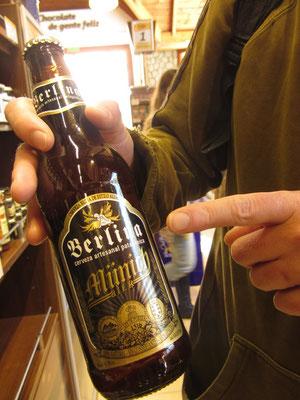 Hahaha! Ein Bier namens Münich der Marke Berlina.