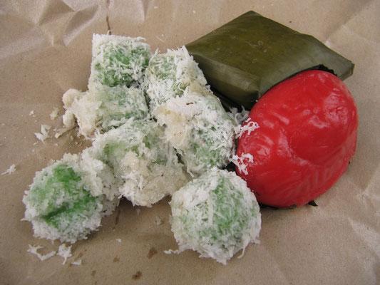 Süßigkeiten mit Kokos und anderem Köstlichen.