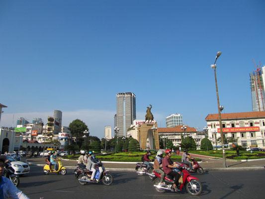 Kreisverkehr am Ben-Thanh-Markt.