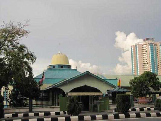 Moschee am Straßenrand.