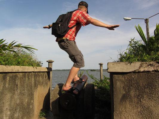 Kanonensurfer am See Nicaragua.