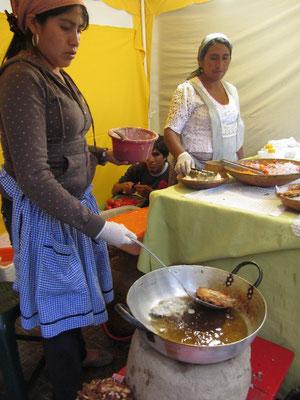 Frische Spezialitäten auf dem kleinen Markt auf dem Plaza Colon.
