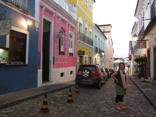 Der historische Teil von Salvador wird am besten zu Fuß erlebt. Man braucht aber mindestens zwei Tage, wenn man einen umfassenden Eindruck von der kolonialen Vergangenheit gewinnen will.