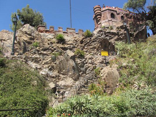 Festungsüberreste auf dem Cerro Santa Lucia.