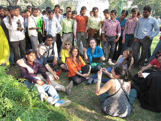 Diesmal waren andere die Opfer. Inder lieben es mit Europäern fotografiert zu werden.