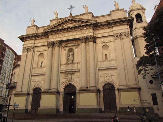 Kirche am Wegesrand.