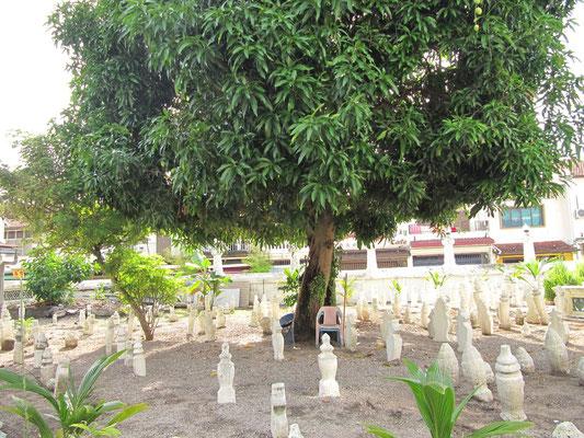 Muslimischer Friedhof der Kampong Kling Moschee. (Harmonious Street)
