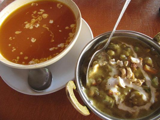 Erstes Essen in Palolem (Goa): Curry & Gemüsesuppe.