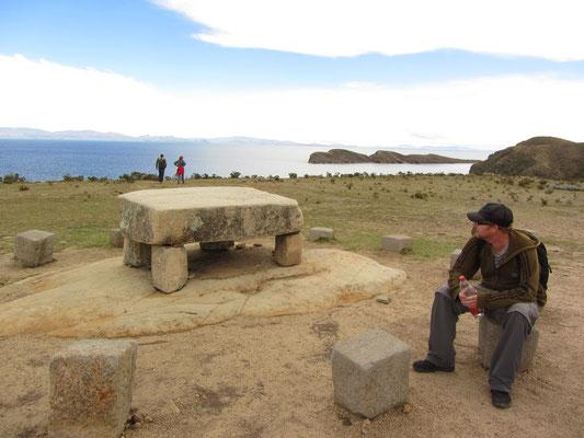 Der Legende nach opferten die Inkas auf diesem Tisch Jungfrauen um die Götter milde zu stimmen.