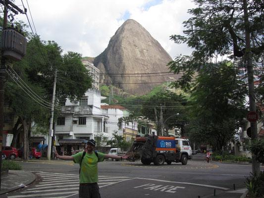 Die Morros (Granithügel, die zu den Ausläufern der Serra do Mar gehören) sind überall in Rio, auch in unserer unmittelbaren Nachbarschaft.