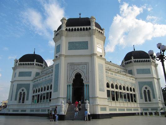 Die Große Moschee (Masjid Raja).