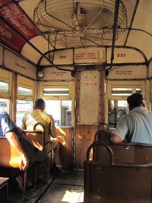 Echt urige Straßenbahn. So langsam wie... mir fallen keine Vergleiche ein.