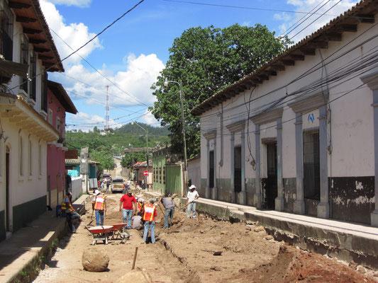 Straßenbau in der Nachbarschaft.