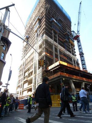 Es wird gebaut rund um den Ground Zero.