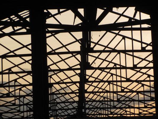 Stählerne Dachkonstruktion.