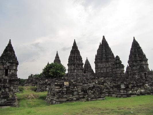 Die hinduistischen Prambanan-Tempel haben uns sogar noch mehr beeindruckt als Borobodur.