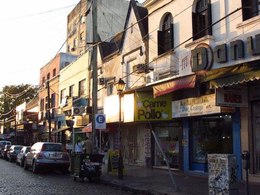 In den Straßen von San Isidro finden sich viele Geschäfte,Boutiquen, Cafes und Restaurants.