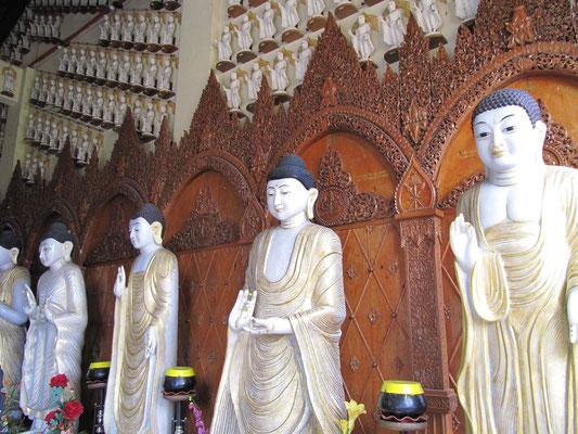 Buddhastatuen. (Dhammikarama Burmese Buddhist Temple)
