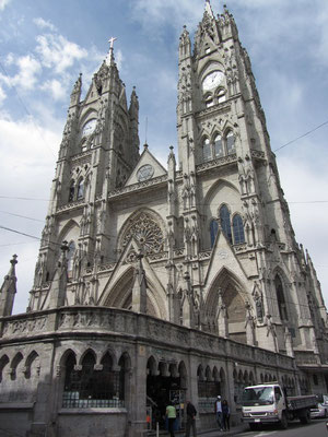 Basilica del Voto Nacional.