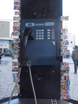 Reiche Auswahle an Nuttentelefonnummern.