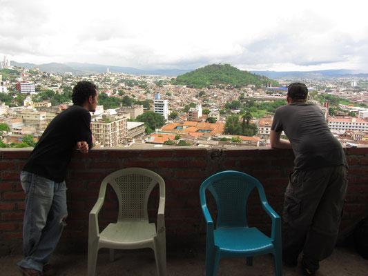 Blick auf die Stadt. (Parque La Leona)