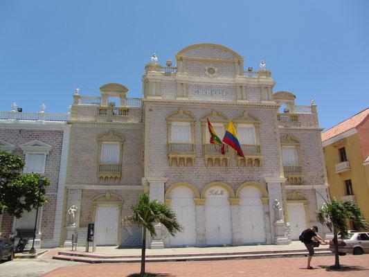 Das Teatro Heredia war früher eine Kirche.