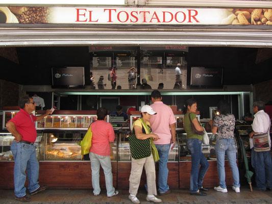 """El Tostador"" - Der Röster verkauft Nüsse, Kaffee und allerhand Anderes."