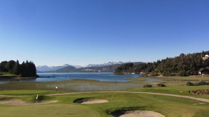 Golfplatz am Parque Nacional Nahuel Huapi.