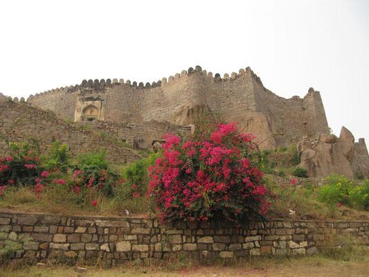 Das Golconda Fort aus dem 16. Jahrhundert war Regierungssitz, bevor die Hauptstadt nach Hyderabad verlegt wurde.