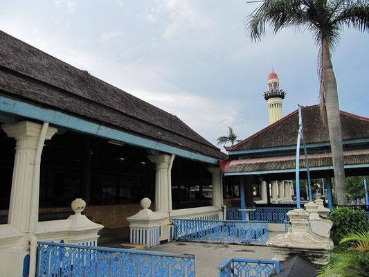 Die Agung Moschee in klassischer javaneischer Architektur ist die größte und bedeutendste Moschee in Solo.