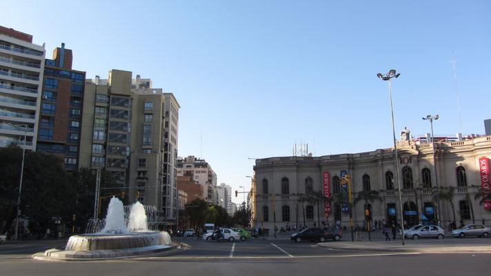 Kreuzung vor dem Einkaufszentrum Patio Olmos.