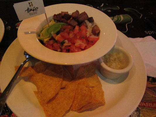 Mexikanische Bowl mit Nacjhos.