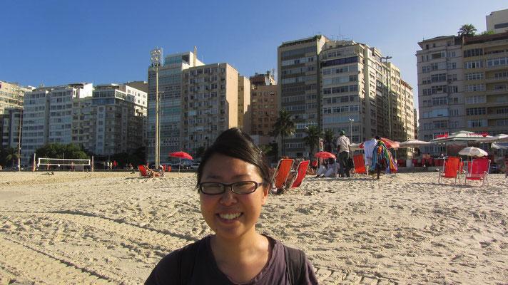 Friede und Freude in der Stadt, die nur mit Vorsicht genossen werden sollte. Mit Hilfe von roten Luftballons wurde im Juni 2008 in einer aufsehenerregenden Aktion auf dem Strandareal signalisiert, dass bis dahin im Jahr 2008 bereits 4.000 Einwohner