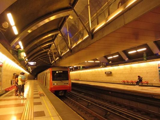 Es ist angenehm seit langer Zeit wieder mit der U-Bahn fahren zu können.
