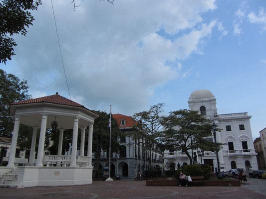 Plaza Catedral. (Casco Antiguo)