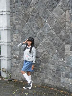 Typisch indonesische Fotopose.
