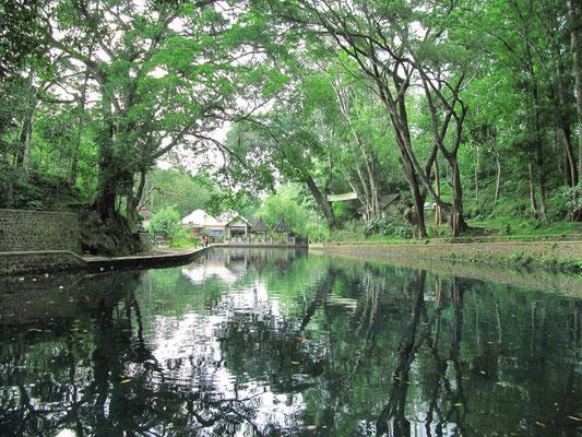 Künstlich angelegter See an einem heiligen Ort.