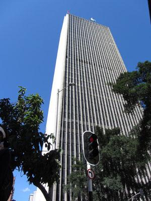 Wahrzeichen und höchstes Gebäude Medellins, das Edificio Coltejer.